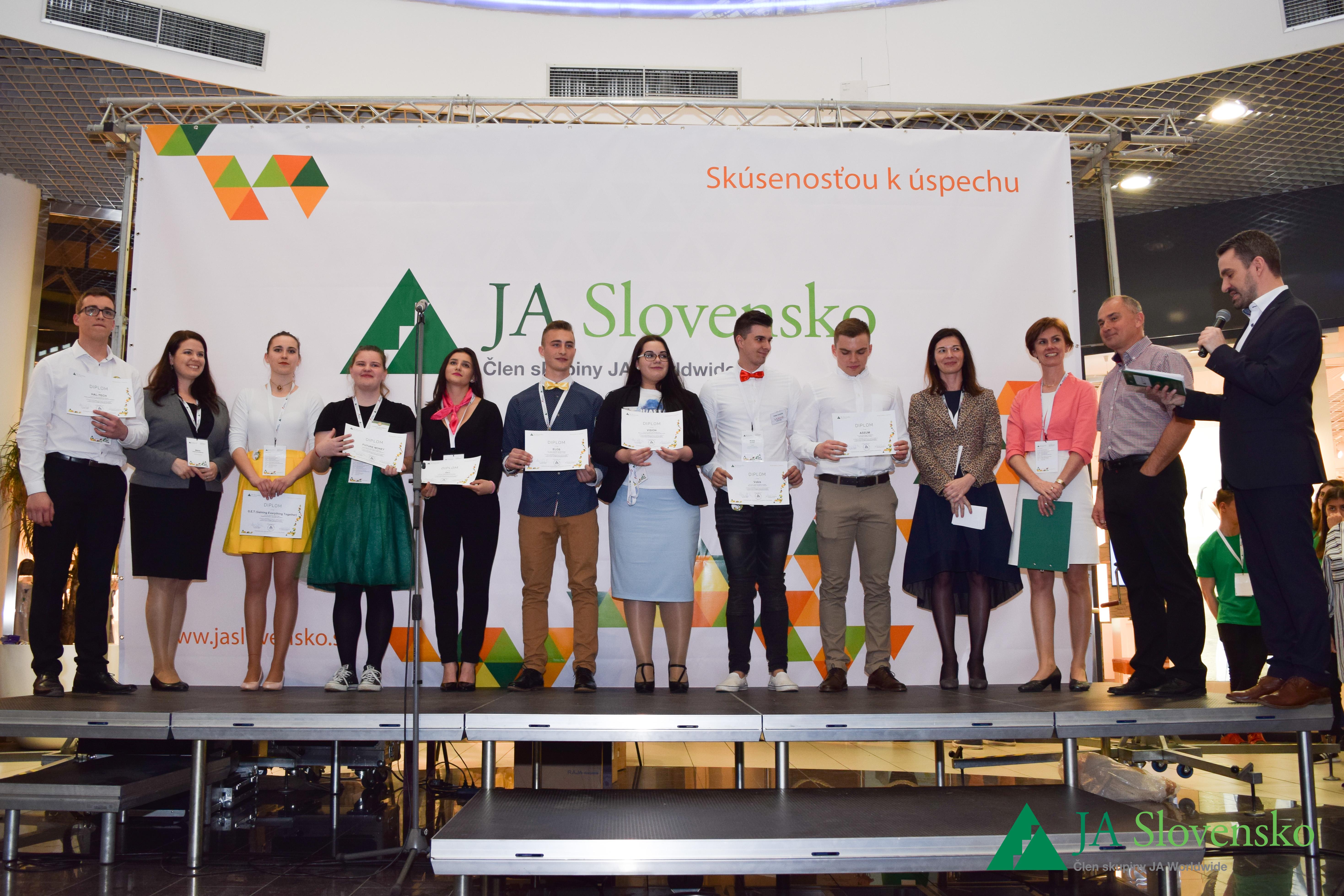 Víťazi súťaže JA Veľtrh podnikateľských talentov 2017
