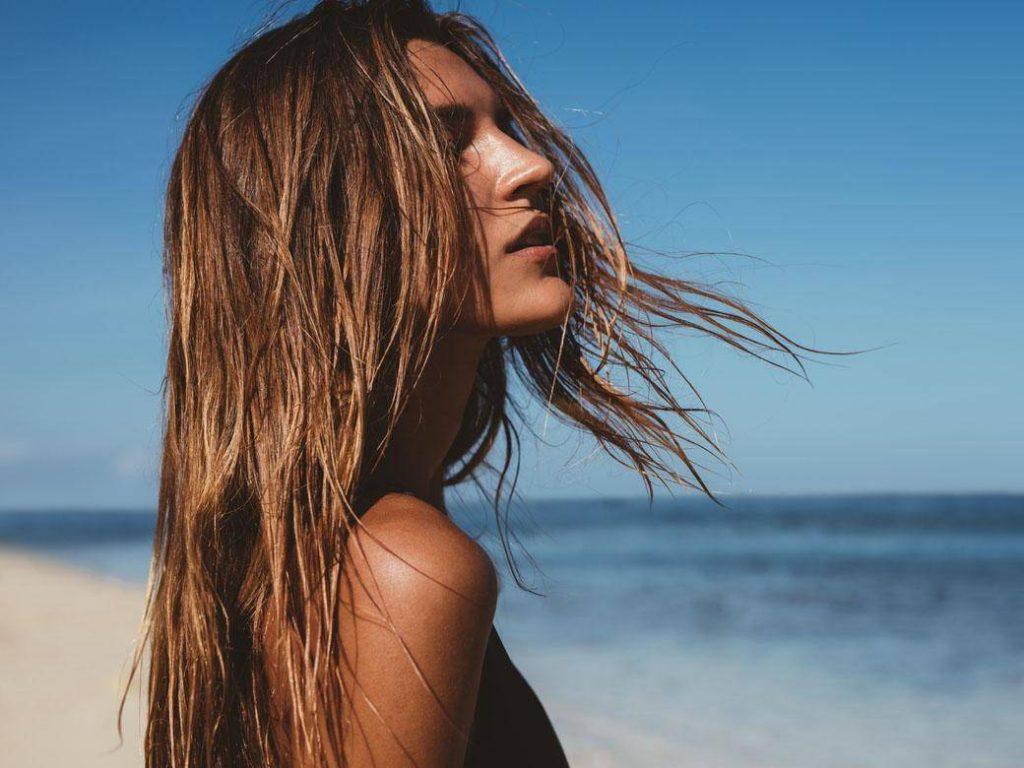 Ochrana vlasov pred slnkom