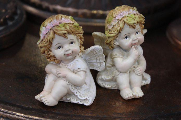 Bytová doplnky: soška anjela